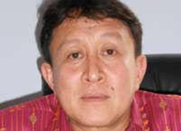 Dr. Yulianus Weng, Kepala Dinas Kesehatan Kabupaten Manggarai