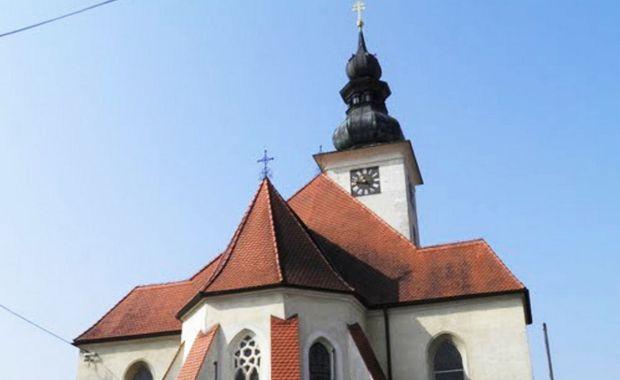Di Gereja inilah Babsi merekam videonya (Foto: Mirror.uk)