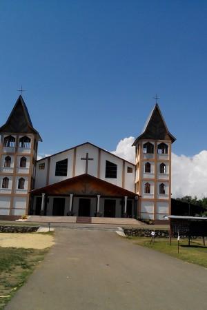 Gereja Paroki Roh Kudus Labuan Bajo