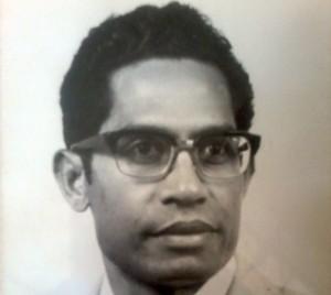 Pastor Frans saat masih muda